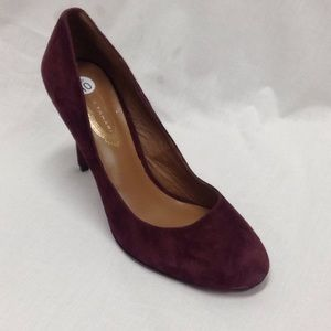Elie Tahari Purple Suede Round Toe Pumps